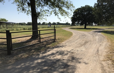 install custom farm gates East Texas